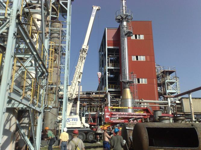 Likvidace kolony a části konstrukce v chemickém provozu Draslovka Kolín